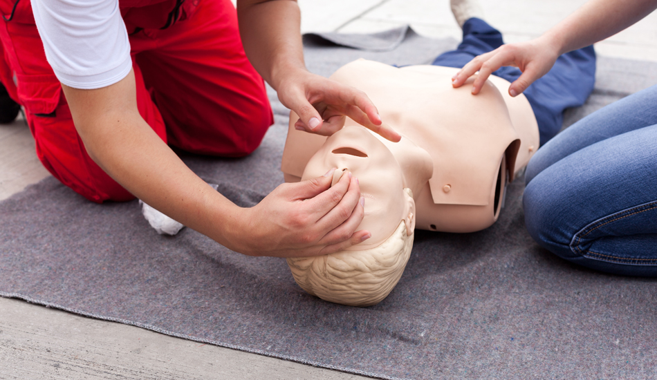 Emergency first aid and health courses at GSTS